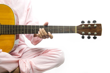 guitarist play the guitar