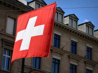 drapeau suisse ...Bahnhofstrasse Zürich