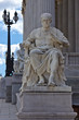 Leinwanddruck Bild - Julius Cäsar - Figur vor Wiener Parlament