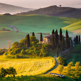 Toscana, mattino in Val d' Orcia