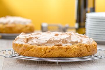 Crostata casalinga al limone meringata