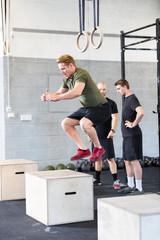 Crossfit box jump traning