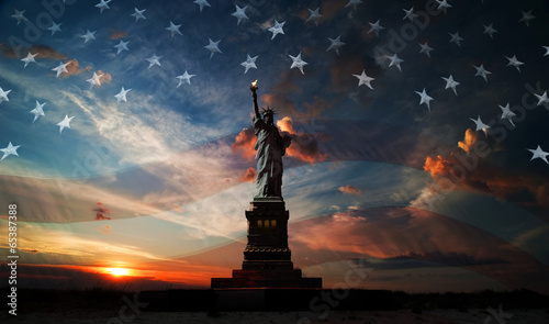canvas print picture Independence day. Liberty enlightening the world