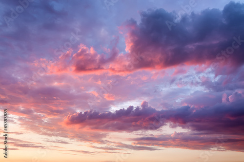 Tuinposter Zonsondergang Sky with beautiful clouds at sunset