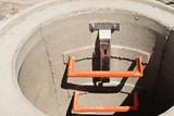 Kanalbau - Stufen zum Einstieg in einen Kanalschacht