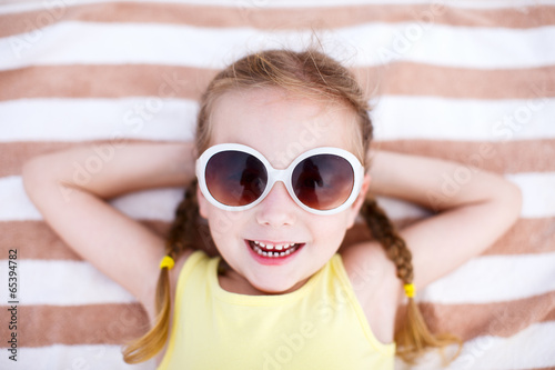 canvas print picture Adorable little girl on vacation