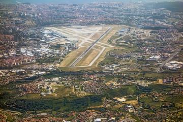 Airport Lisbon, runway