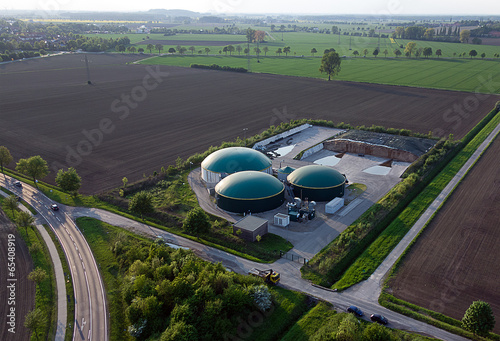 Fotobehang Luchtfoto Moderne Biogasanlage