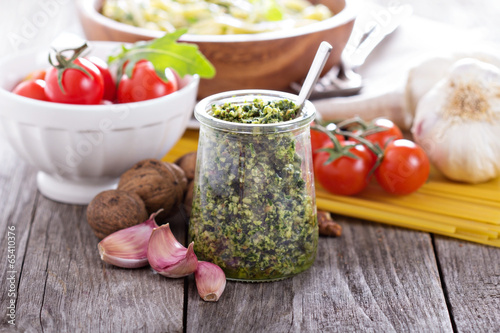 Arugula walnut pesto