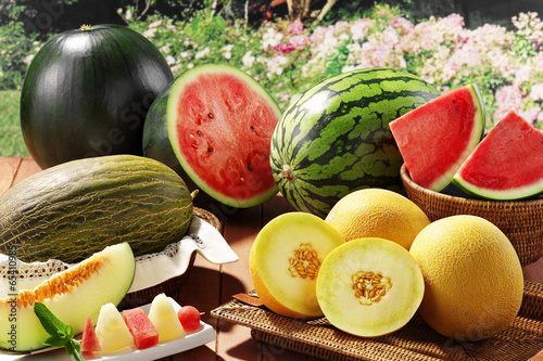 Foto op Aluminium Picknick melons and watermwlons