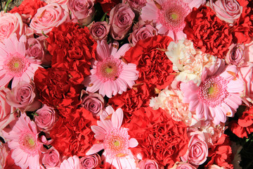 Wedding flowers in red and pink