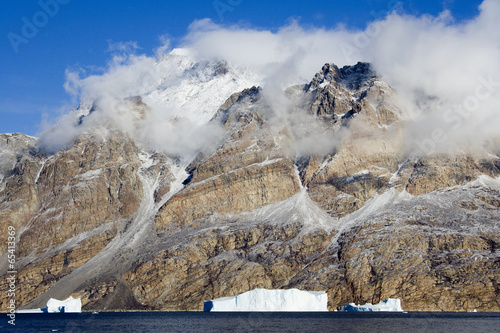 Foto op Plexiglas Antarctica 2 Icebergs - Scoresbysund - Greenland