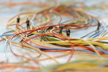 Geschäftsleute (Figuren) symbolisieren Networking