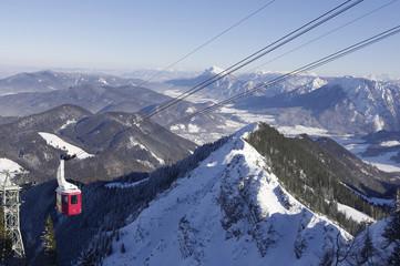 Deutschland, Bayern, Hochfelln, Berglandschaft mit Skilift