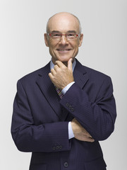Geschäftsmann, Hand am Kinn, Portrait