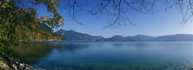 Walchensee, Oberbayern, See im Herbst