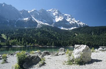 Eibsee mit Zugspitze, Bayern, Deutschland