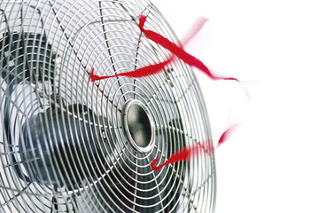 Ventilator mit roten Bändern