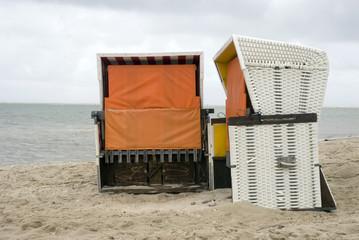 Deutschland, Amrum, Nordsee, Strandkörbe am Strand