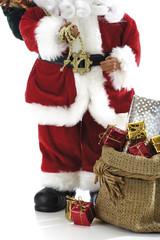 Weihnachtsmann oder Nikolaus Figur mit Geschenken