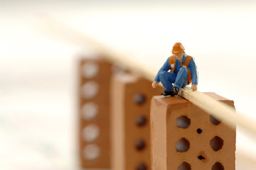 Figur eines Bauarbeiters