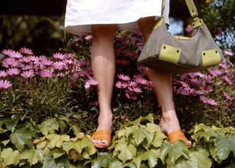 Frau halten Handtasche