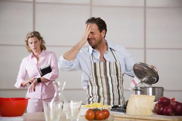 Mann Kochen, Frau