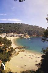 Spanien, Katalonien, Costa Brava, Menschen am Strand