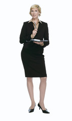 Blonde Geschäftsfrau mit Terminplaner