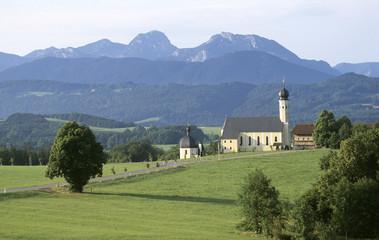Deutschland, Bayern, Oberbayern, Wallfahrtskirche am Irschenberg