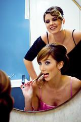Junge Frau im Schönheitssalon