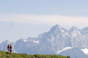 Österreich, Salzburger Land, älteres Paar, Senioren, Wandern