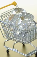 Diamanten im Einkaufswagen