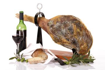 Serrano Schinken und Rotwein