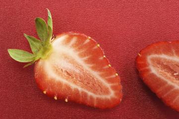 Halbierte Erdbeeren