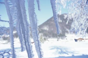 Eiszapfen in den Bergen, close-up