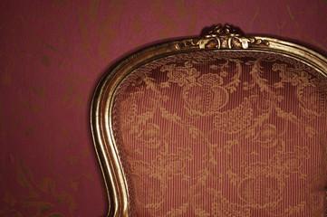 Verzierter antiker Sessel