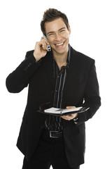 Junger Mann mit Handy, halten Zeitplan