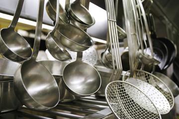 Suppenlöffel und Küchengerätschaften