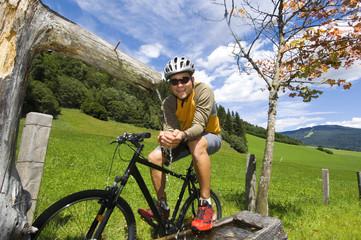 Mountainbiker bei einer Pause