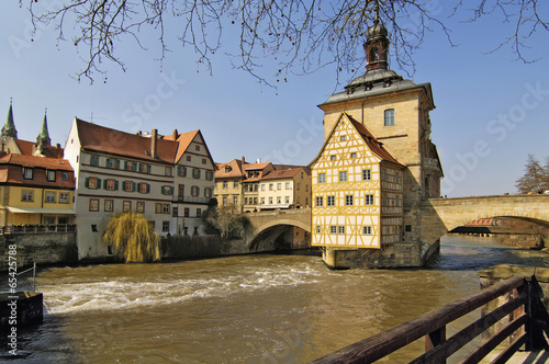 Deutschland, Bayern, Oberfranken, Bamberg, historische Gebäude am Fluss
