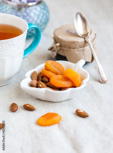 Tea with dried fruits