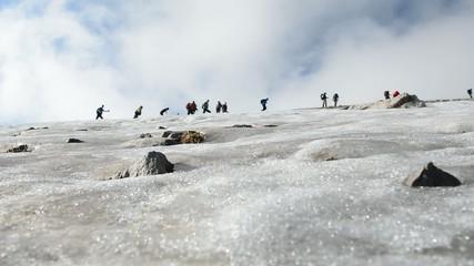 kar üzerinde zirve tırmanışı