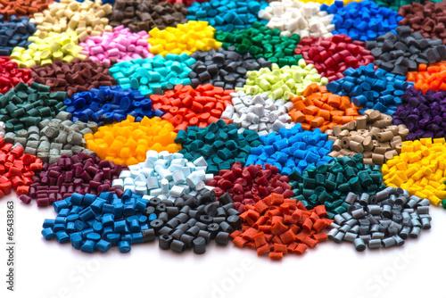 Leinwandbild Motiv gefärbtes Plastik Granulat