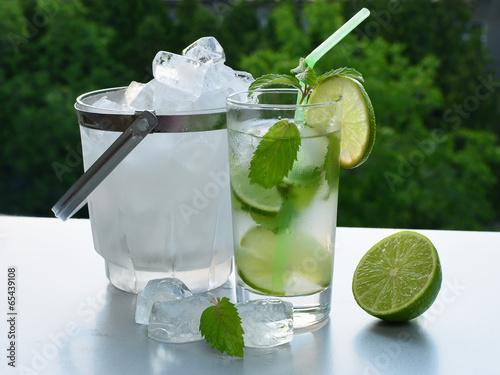 Ice-cold mohito
