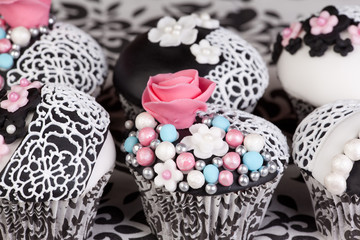 cupcakes with tea cup