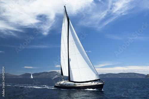 Sailing. Luxury Yachts. - 65442954