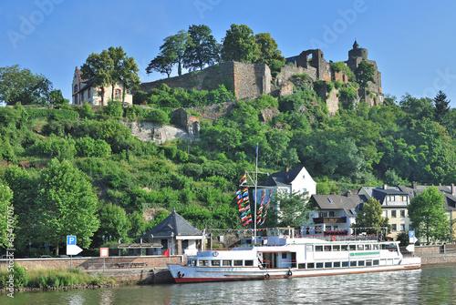 Leinwandbild Motiv Erholungsort Saarburg mit der Ruine der Burganlage
