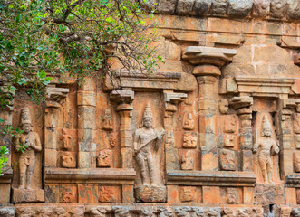 element  architecture of Hindu Temple ancient Gangaikonda Cholap