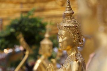 Statua nel Palazzo Reale di Bangkok.